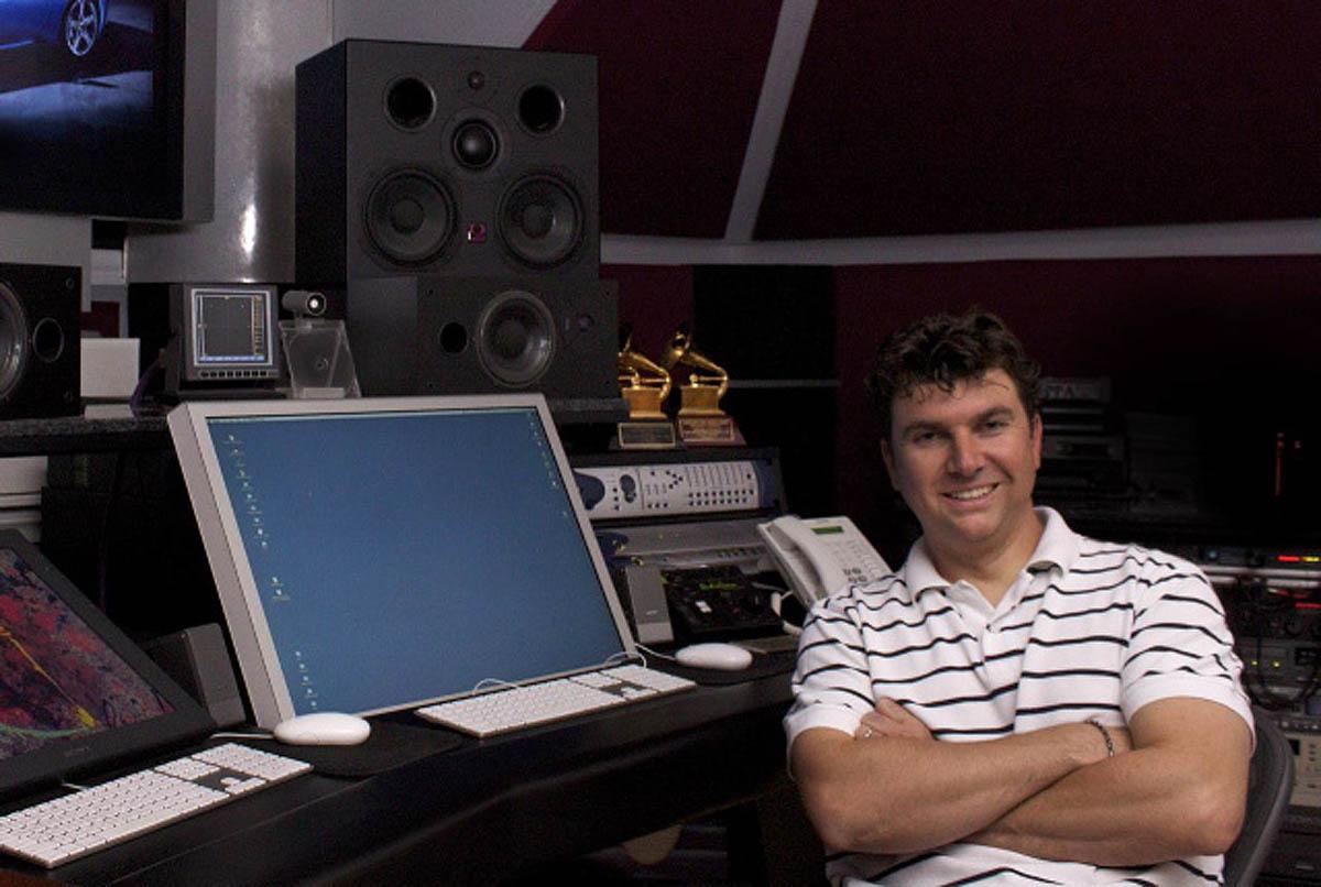 Serban Ghanea in studio